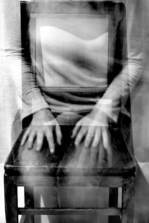 Riposo e riflessione - © Paola Tornambè - Fotografia presente sul n.143 - Spring 2019 della rivista cartacea di Fine Art del Minnesota: Shots Magazine