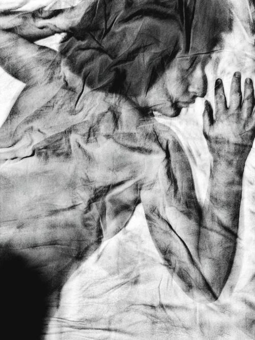 A paper woman - © Paola Tornambè