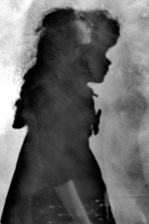 """Ci sono - © Paola Tornambè - Fotografia esposta alla KromArt Gallery di Roma, durante la collettiva internazionale """"The Shadow"""", dicembre 2019 - gennaio 2020"""
